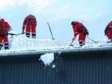 Цена чистки крыш от снега в Санкт-Петербурге