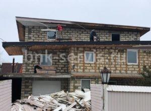 Работа бригады демонтажников в Сестрорецке